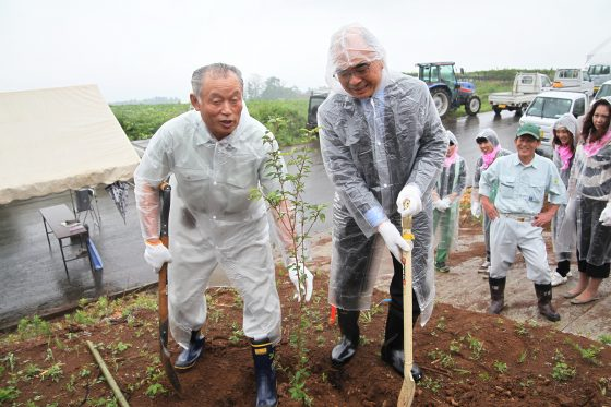 20120619社長植樹